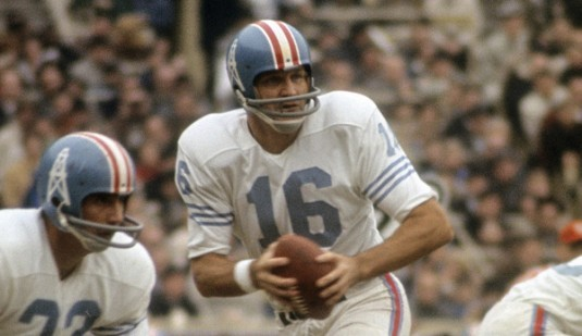 CIRCA 1960's: Quarterback/Kicker George Blanda #16 of the Houston Oilers drops back to pass during a circa mid 1960's NFL football game. Blanda played for the Oilers from 1960-66. (Photo by Focus on Sport/Getty Images)